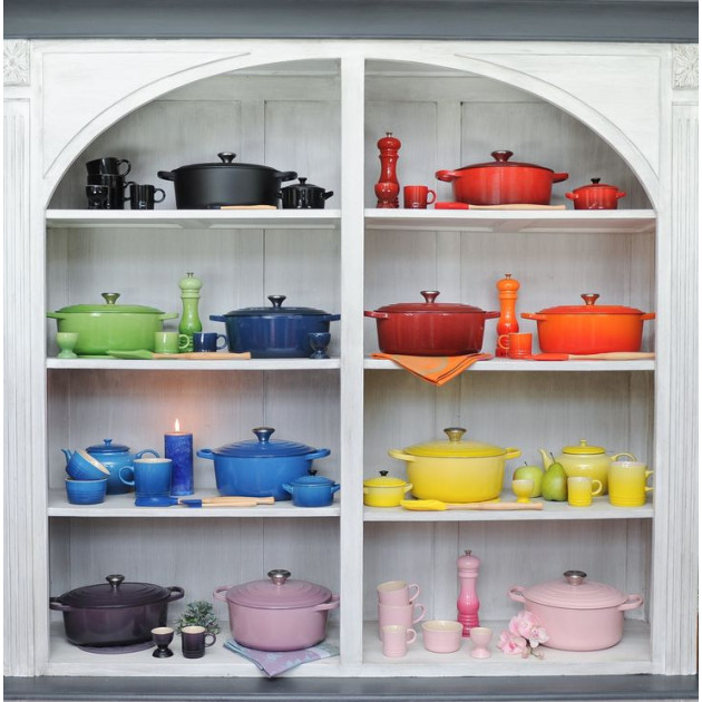 Presentation collection Le Creuset Signature cocottes Ovales differents coloris disponibles