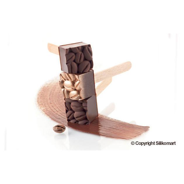 Realisation de cubes en chocolat grace au Moule a glace en silicone