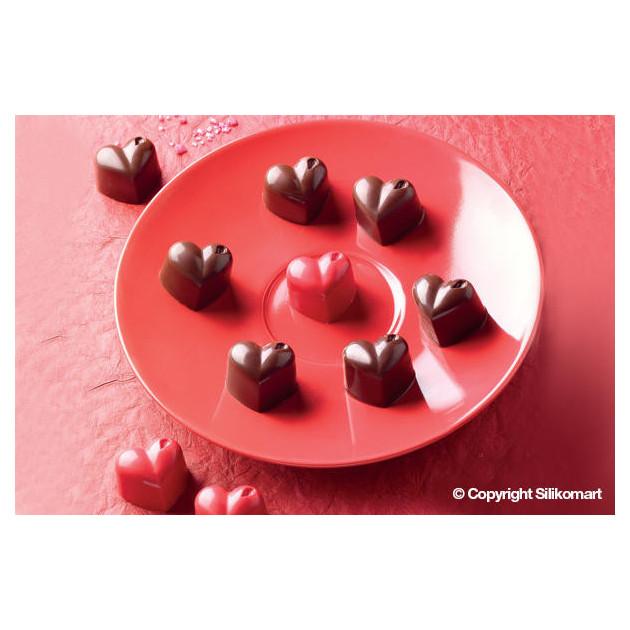 Chocolats en forme de coeur realises avec le Moule a chocolat Easy Choc