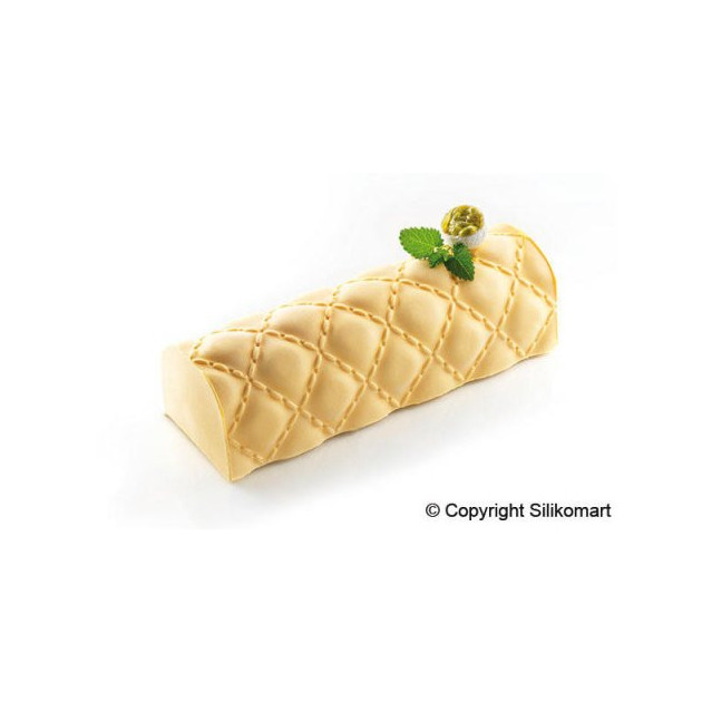 Dessert realise avec le Kit Moule a Bûche et Tapis Decor Matelasse SilikoMart Professional