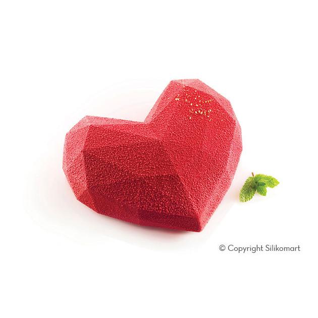 Gateau Coeur recouvert de Spray Velours Rouge