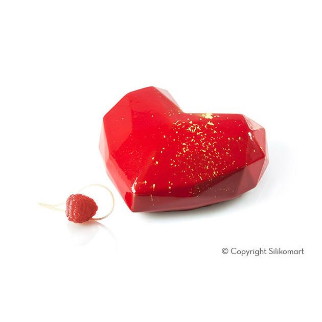 Gateau en forme de coeur nappage miroir rouge