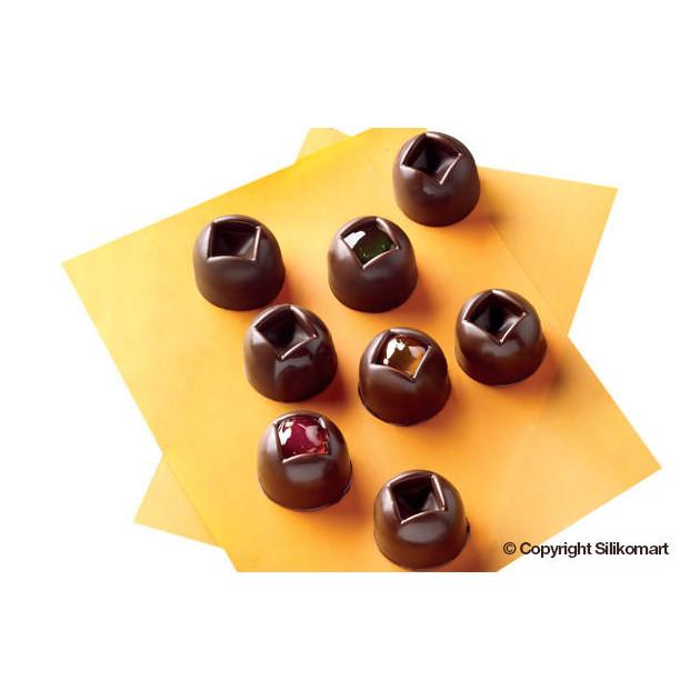 Bonbons Chocolats realises avec le moule a chocolat en silicone Easy Choc