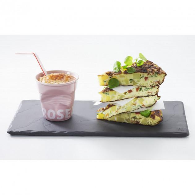 Pause gourmande avec l'assiette rectangulaire Basalt Revol