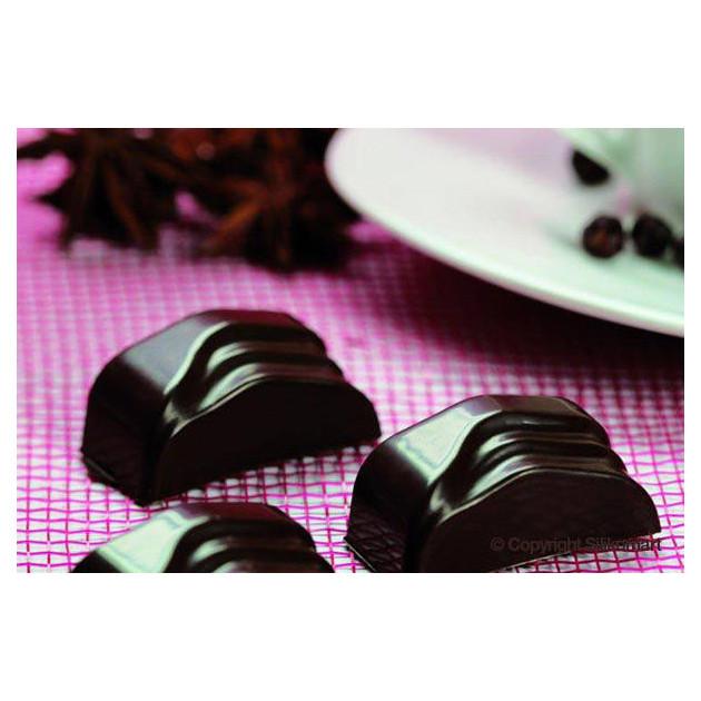 Chocolats realises avec le moule a chocolat en silicone Easy Choc