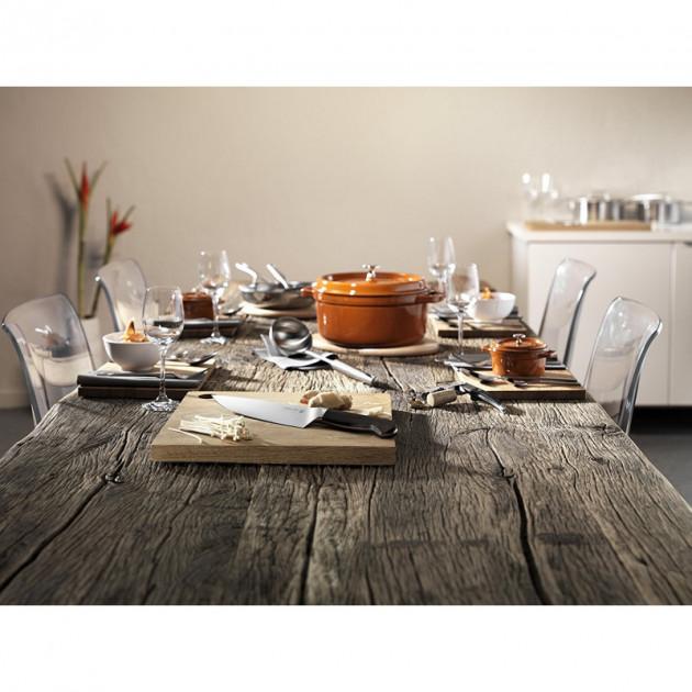 La Cocotte Ronde Staub Cannelle habillera votre table