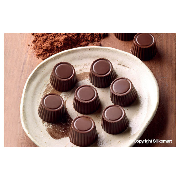 Pralines realisees avec le moule en silicone special chocolat Easy choc