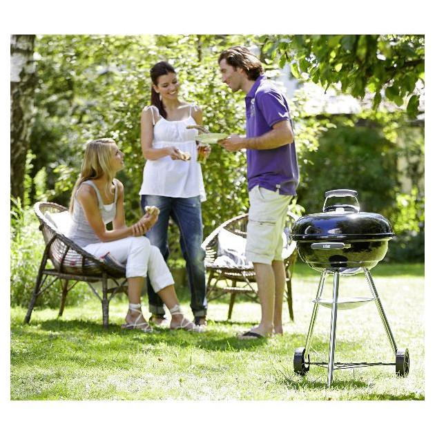 Barbecue Charbon Weber facile a entretenir et deplacer