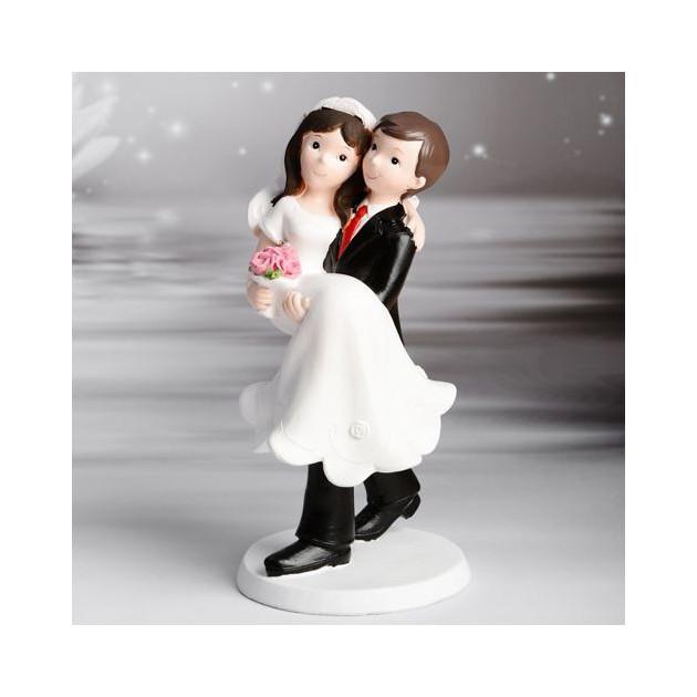 FIN DE SERIE Figurine Mariage Jeunes maries dans les bras 17.5 cm