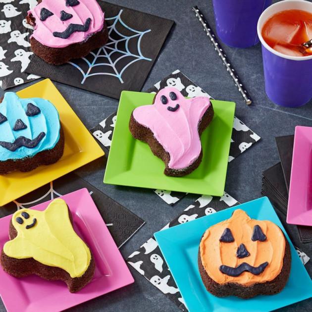 Gateaux Fantomes realises avec le moule Halloween Wilton