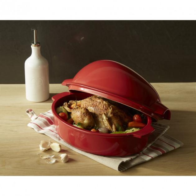 Presentation d'un poulet cuit dans la Brique a rotir Grand cru Emile Henry