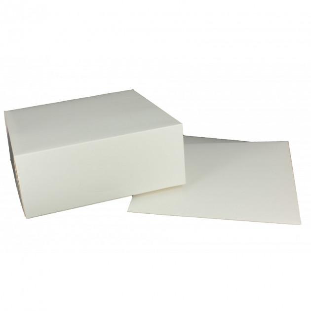 boîte patissiere blanche carree avec couvercle