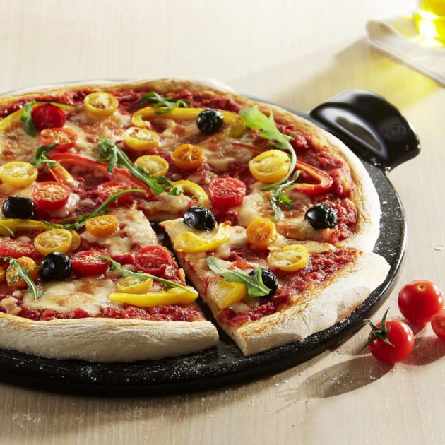 Plaque à pizza Emile Henry à fond lisse