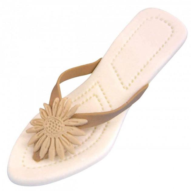 Sandales faites avec l'Emporte-piece et embosseur Chaussure a Talon Jem