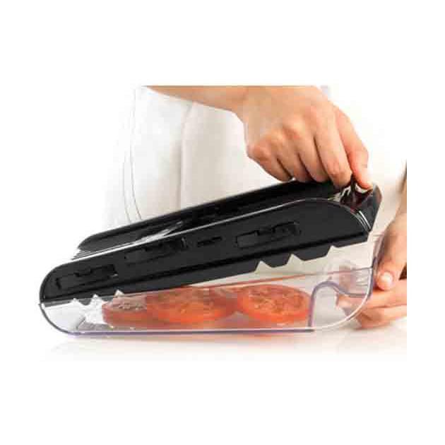 Mandoline de cuisine avec double garde pour plus de securite