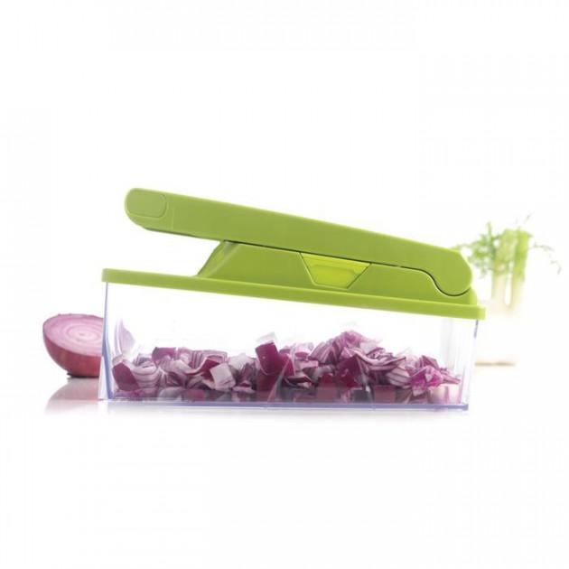 Coupe legumes avec poussoir pour couper les legumes en entier