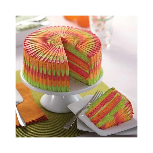 Rainbow Cake realise avec les moules a etages Wilton