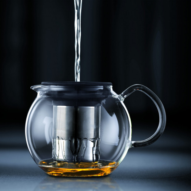 Ajouter l'eau fremissante et laisser infuser