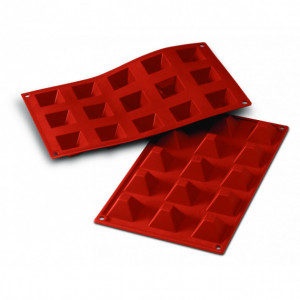 Moule Silicone 15 Pyramides 3,6 cm x H 2,2 cm Silikomart