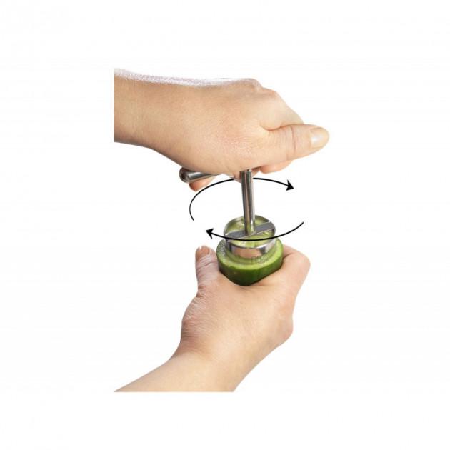 Utilisation du coupe legumes inox Le Petit Farceur