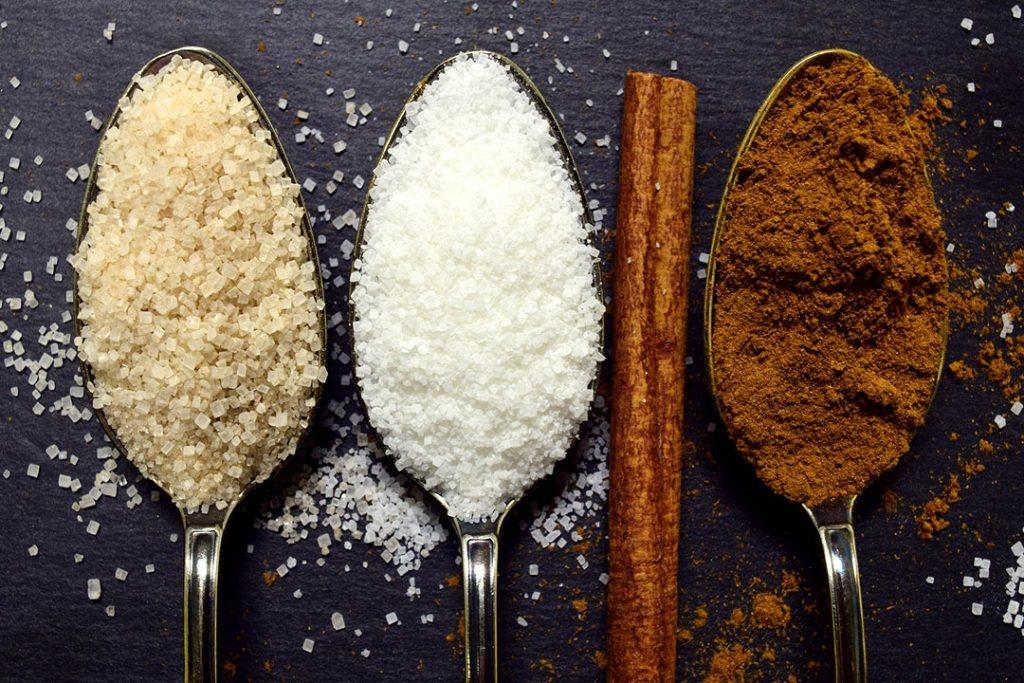Sucre raffiné et sucre non raffiné : quelles différences ?