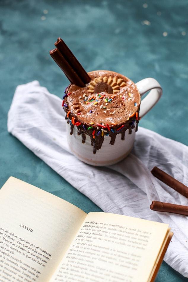 Avec ses restes de chocolats de Pâques, on fait un chocolat chaud !