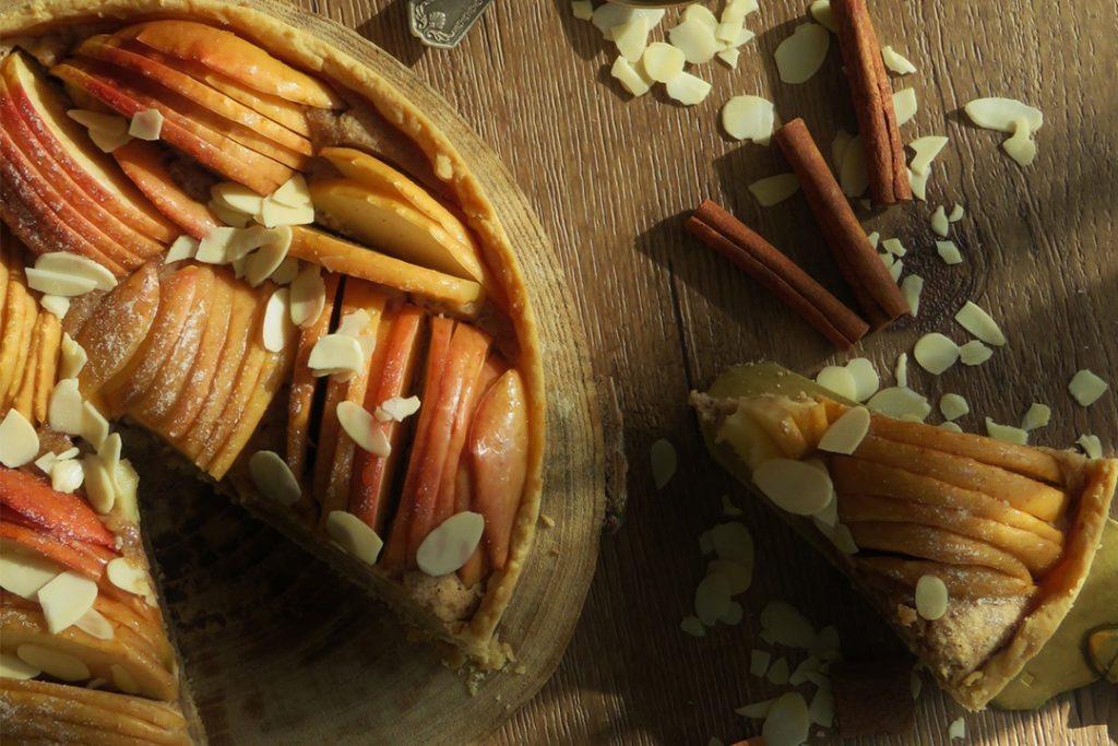 Tarte aux pommes et sa crème d'amande à la cannelle