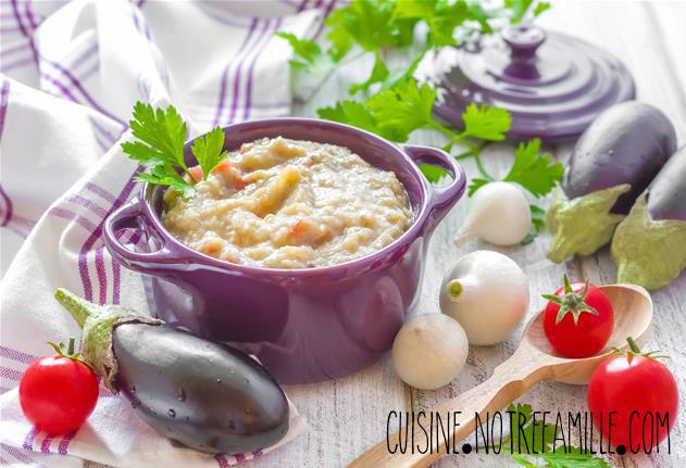 Réalisez une succulente recette de crème d'aubergines et poudre d'amande