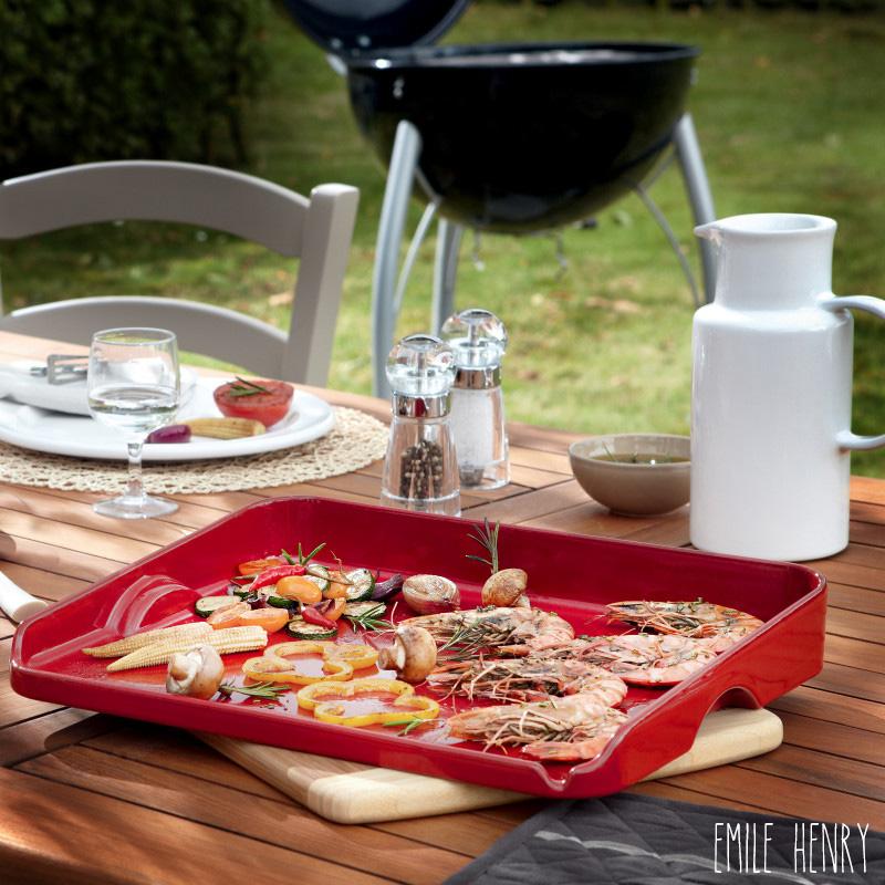 Plancha pour barbecue en céramique rouge Emile Henry 39 x 31 cm