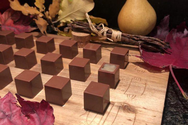Chocolats aux poires vanillées et praliné amande feuilletine