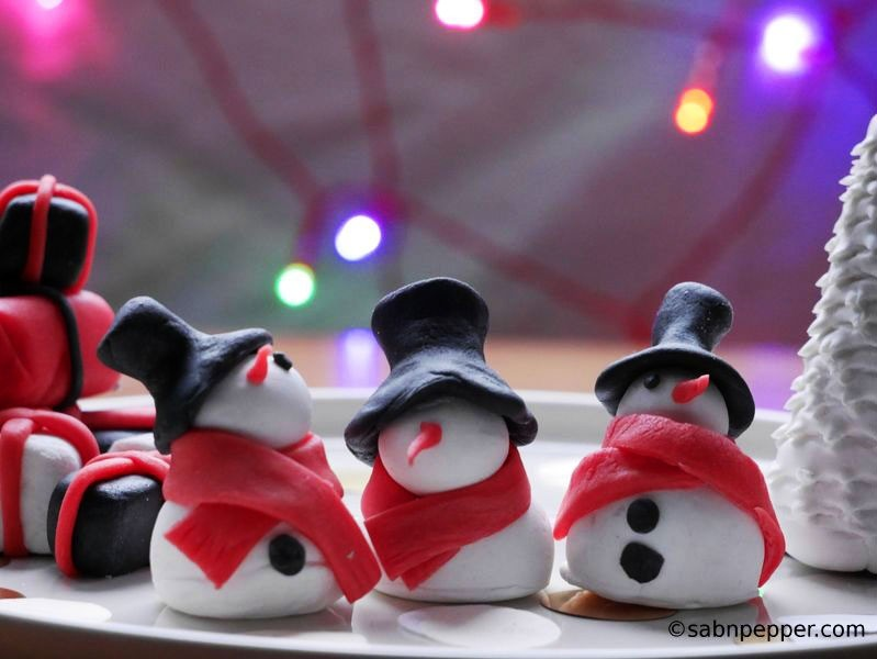 Décorations en pâte à sucre, thème Noël