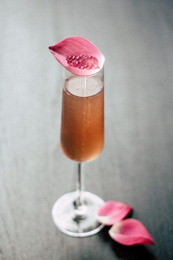 Cocktail de Saint-Valentin avec Champagne