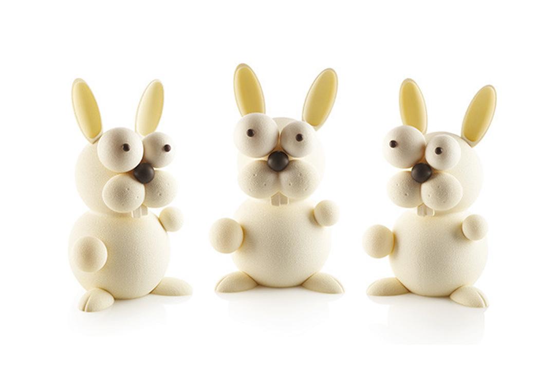 Apprenez à faire votre moulage de Pâques en Chocolat avec le Kit Lapin Silikomart.