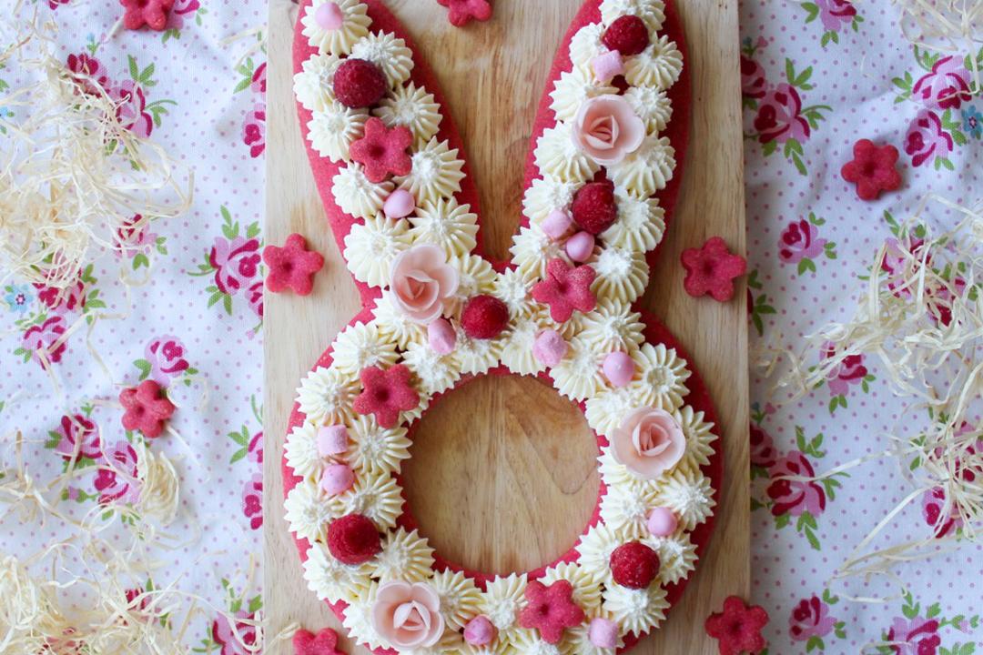 Recette facile de Bunny Cake (gâteau lapin) avec un chantilly à la vanille.