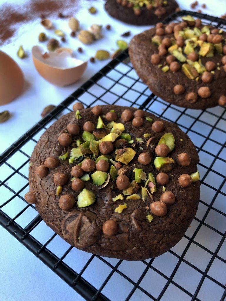 Cookie tout chocolat & pistache de Toque de Choc.