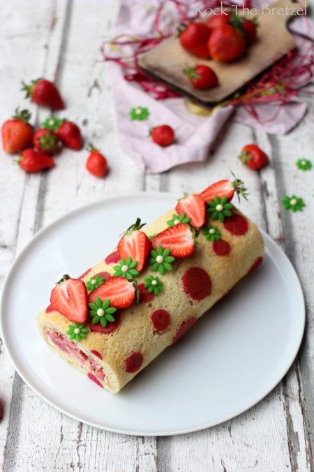 Gâteau roulé à la fraise par Rock The Bretzel.