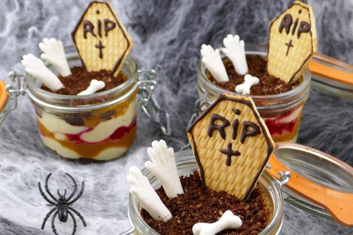 Verrines d'Halloween : crémeux tonka, caramel et framboises