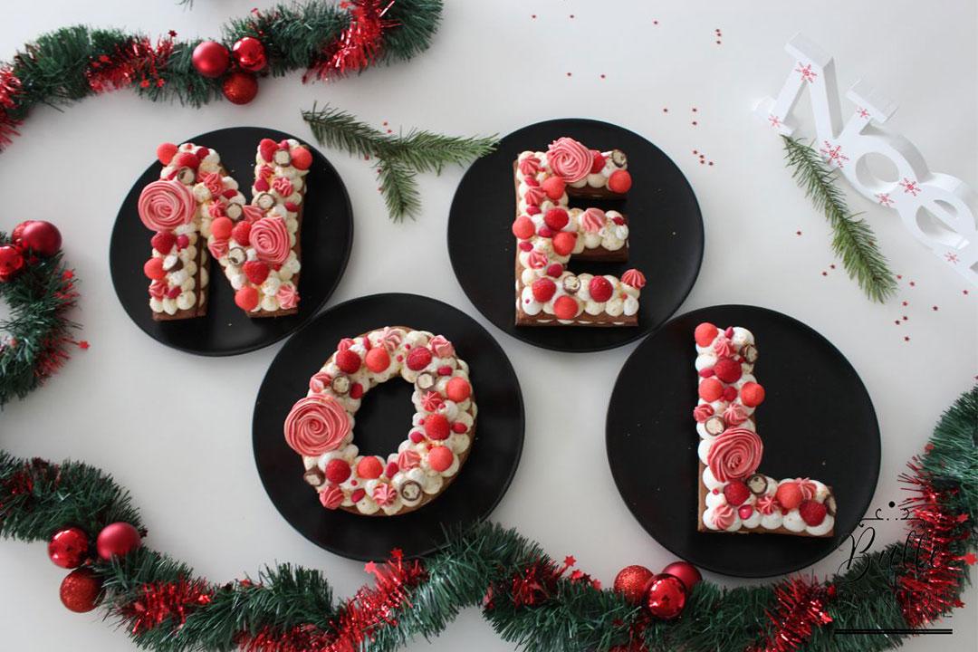 Letter Cake Noël : pain d'épices, vanille et framboises