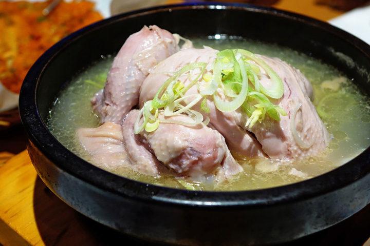 Recette de grand-mère : la poule au pot et sa sauce blanche
