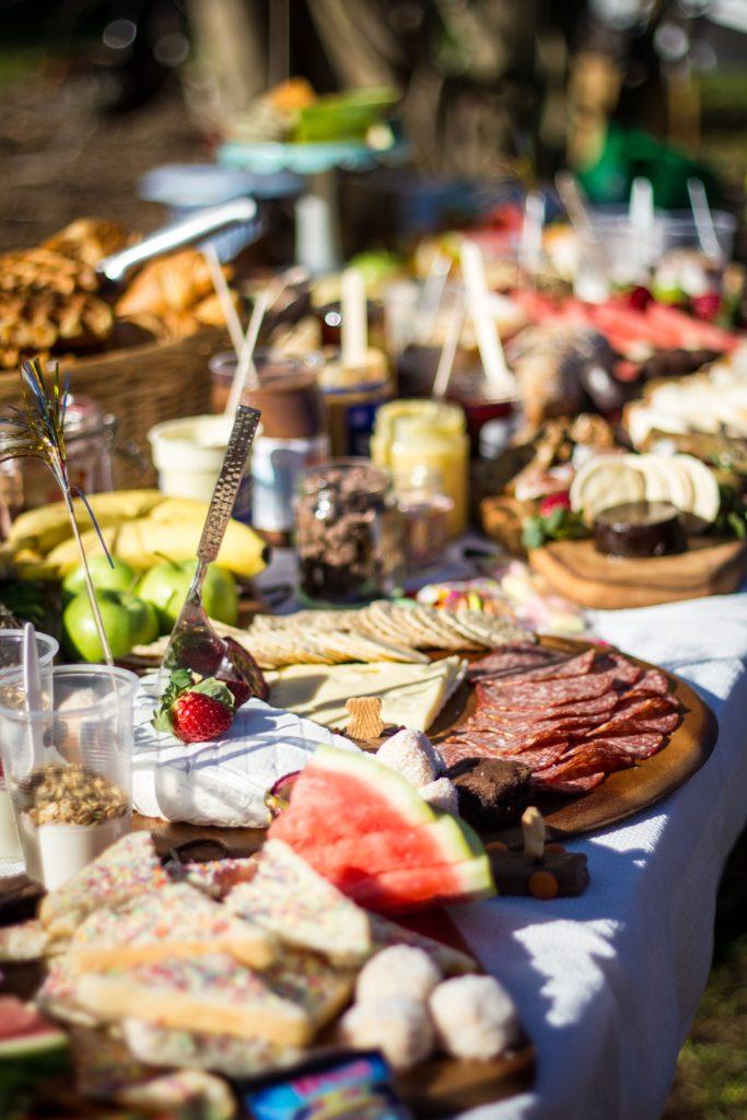Smörgåsbord : le buffet copieux des suédois.
